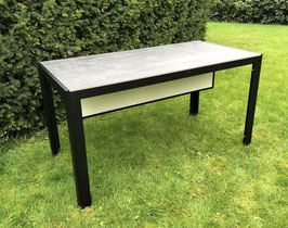 Beheizbar Tisch mit Infrarotheizungen
