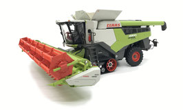 Claas Lexion 6800 TT with Vario 930 and trailer