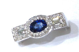 WEISSGOLD-RING MIT SAFIR OVAL