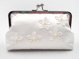 Brauttasche Elfenbein gross, Seide mit Blumen und Perlen