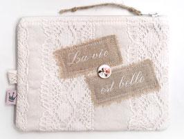 Kosmetiktäschchen «La Vie est Belle» Weiss