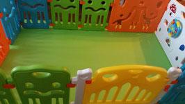 Babyhoekje met speelstukken