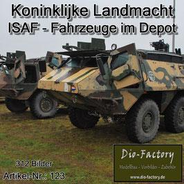 ISAF-Fahrzeuge im Depot