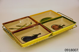 Tablet mit 4 Keramikschalen