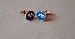 Manschettenknopf mit Kunststoffeinlage und Gravur   Motiv: Fahrrad