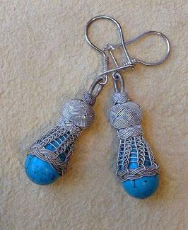 Ohrhänger mit Türkis in Tropfenfrom in Feindraht Silber Geflecht mit Perle
