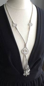 Silber Collier Endlosknoten mit Quaste mit Knoten Perlen, einfacher Endlosknoten, Silberdraht Kunst