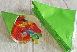 Grüne Spitztüten aus Papier