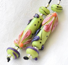 Lime Green Flower Power Tubes & 4 Matching Beads