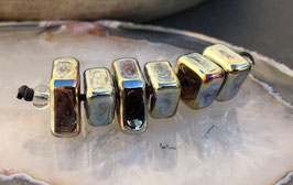 6 Gold Metallic Diamonds