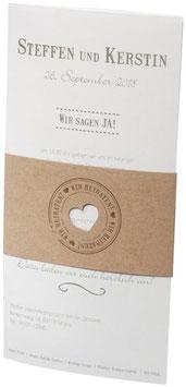 Einladungskarte Hochzeitskarte mit brauner Banderole Herzstanzung & wir heiraten (FC60.2.1466)