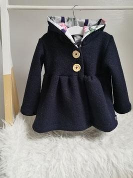 Ausgestellte Jacke aus 100% Wolle in Wunschfarbe