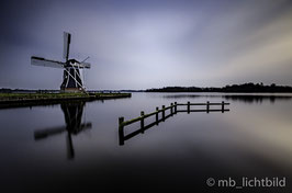 """WINDMILL CLOSE A SILENT LAKE"""