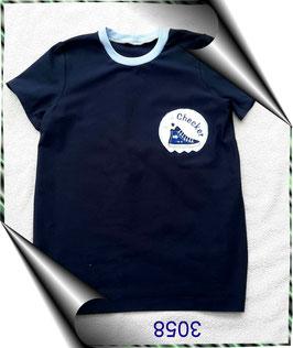 T-Shirt mit aufgestickter Sportschuhapplikation!