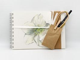 Geschenkset Ringbuch Christrose DinA5 (handgebunden) mit Stiftverlängerer und Künstlerbleistift