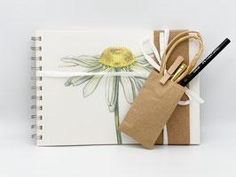 Geschenkset Ringbuch Margerite DinA5 (handgebunden) mit Stiftverlängerer und Künstlerbleistift