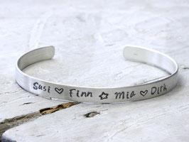 Armreif Familie 925 Silber personalisiert, handgestempelt mit Namen, Wunschworte