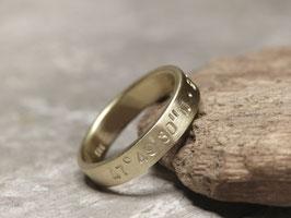 Ring aus Gelbgold mit Koordinaten