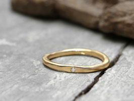 Stapelring No. 03 aus 750 Gelbgold mit Diamant