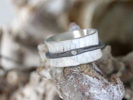 Drehring mit Diamant, geschmiedet aus 925 Silber