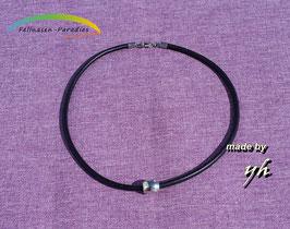 Halskette aus Leder mit Edelstahl-Verschluss