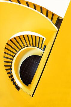 L'escalier jaune