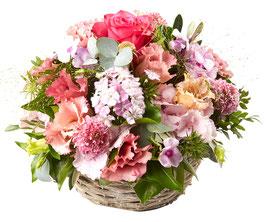 Blumenkorb in Rosa