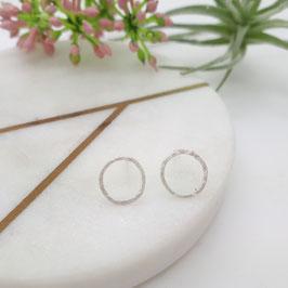 Ohrstecker aus Silber 925,  Ring, gehämmert