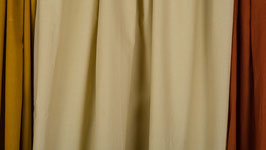 Tissu teinté de beige