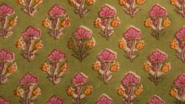 Prairie florale sur un sol vert anis (1)