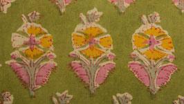 Prairie florale sur un sol vert anis (2)