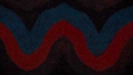 Ondulations rouges sur une mer bleue