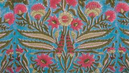 Fleur libellule sur un ciel turquoise