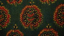 Diadème floral sur un vert ocré