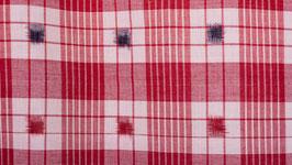 Ikat aux carrés rouges et noirs (1)