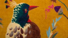 A. Oiseaux de paradis sur un velours safran