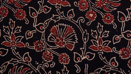Six pétales noirs et rouges