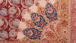 A. Pièce de tissu à la rosace indigo