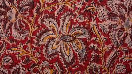 Fleurs kalamkari sur une terre rouge (2)