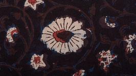 Rinceaux mauve aux fleurs blanches
