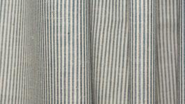 A. Tissu bio aux rayures gris bleu