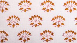Petites fleurs de lotus ocre jaune