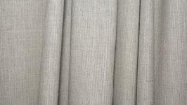Tissu bio aux rayures gris vert