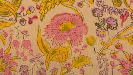 Champ d'œillets jaune rosé