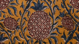 Nappe aux ananas rouges