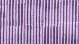 Batik aux lignes violettes