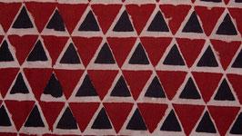 Pyramides rouges et anthracite