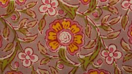 Couronne florale aux pétales jaunes