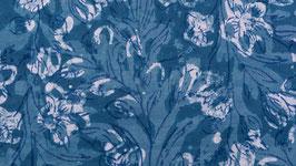 A. Fleurs des champs sur un ciel bleu