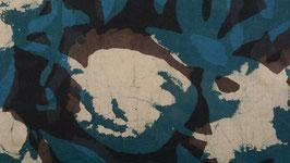 Grandes feuilles aux nuances d'indigo
